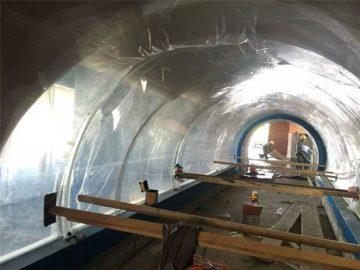 Disesuaikan proyek terowongan akrilik plastik akuarium besar
